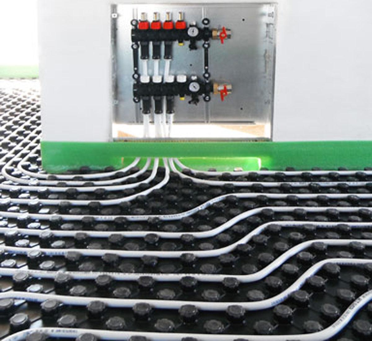 Pannelli Radianti Al Posto Dei Termosifoni posare un pavimento in legno su un impianto di riscaldamento