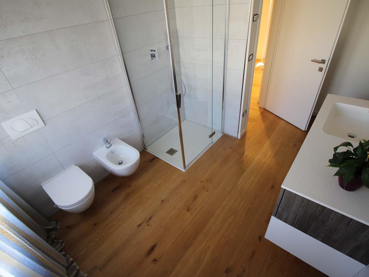 7. Nel bagno il legno si rovina in fretta