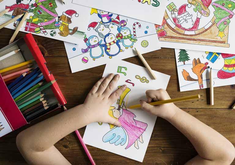 Ricomincia la scuola: bambini più felici sul legno