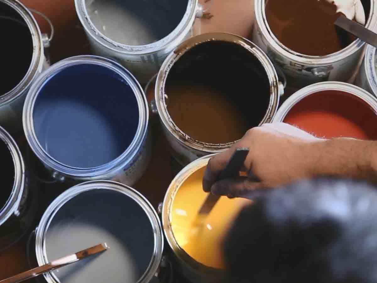Tinte, vernici e olii di finitura